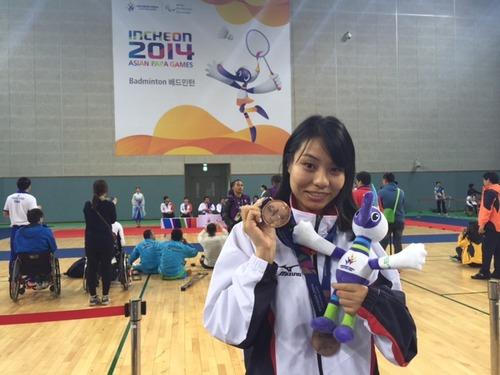 パラバドミントン女子日本代表の杉野明子さんが、アジアパラ競技大会で銅メダル