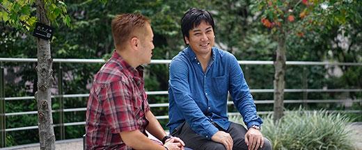 インタビュアー田中宏亮と箱田慶太の写真