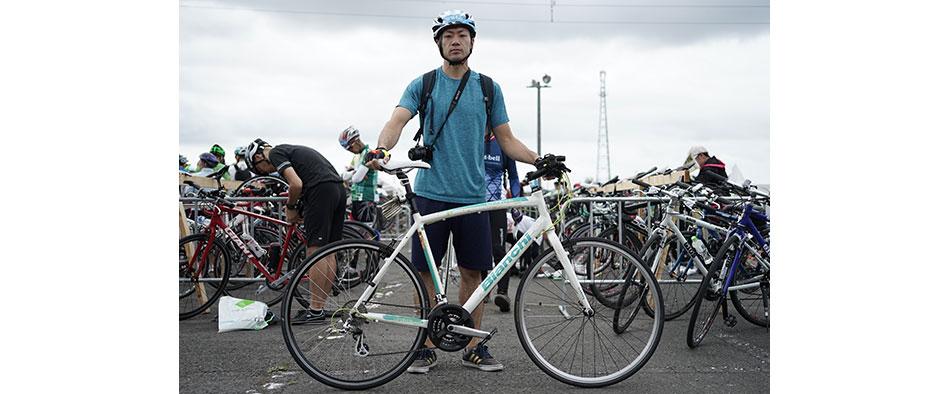 ロードバイク参加者が多数を占める中、クロスバイクでの参加となるしぶや
