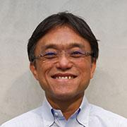顔写真:上級執行役員 コーポレートグループ長 本間浩輔