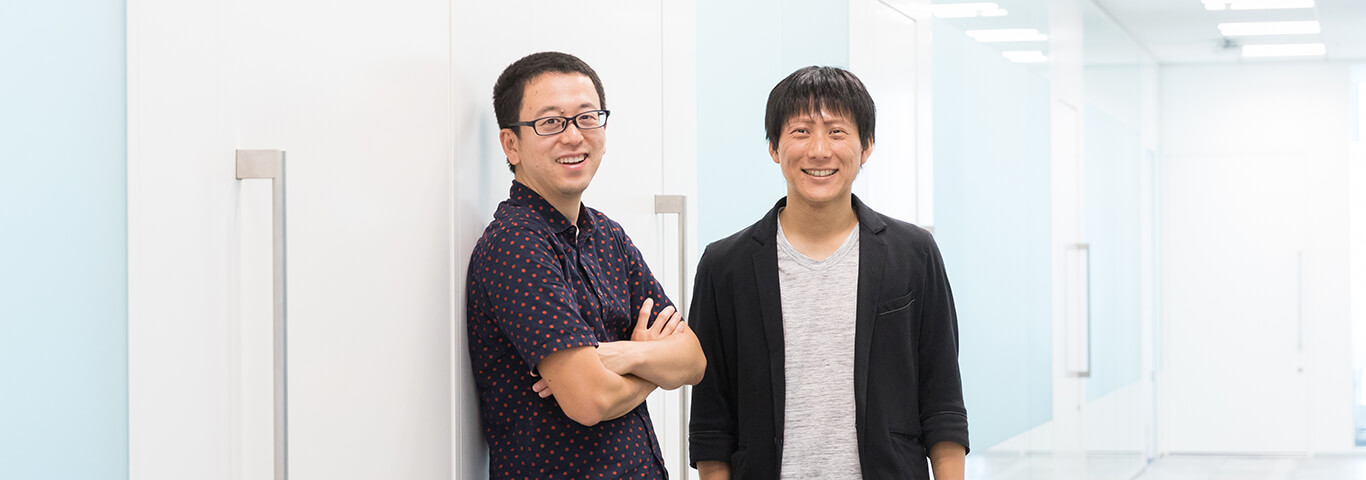 Yahoo! JAPAN研究所の坪内とヤフーのローカル検索開発部の丸山の写真