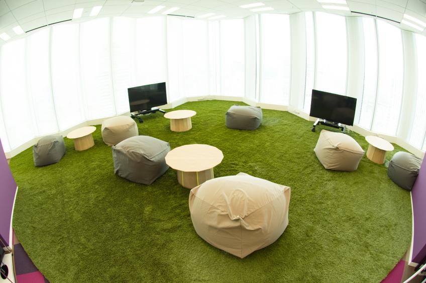 Lawn area inside the office - Tokyo Garden Terrace Kioicho Office