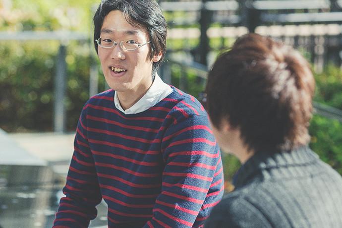 写真:笑顔でインタビューに答える 石切山 開