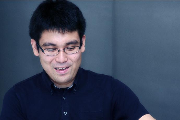 インタビューに答える 田頭 幸浩