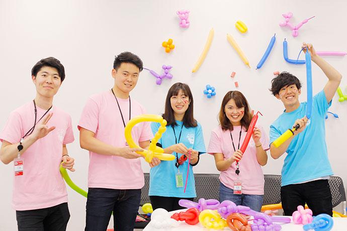 ファミリーデー開催中の社員の写真