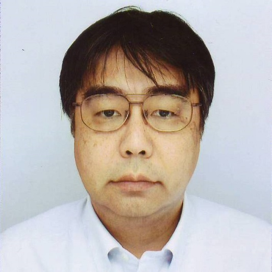 上席研究員, 部長 颯々野 学の写真 Portrait of Manabu Sassano Senior Chief Researcher and Senior Manager