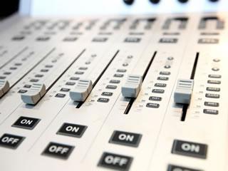 ラジオパーソナリティー・DJ