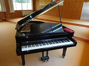 YAMAHA製 グランドピアノ G2