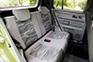 「フレキシブルスペース(後席&荷室)」では、前席の流れをくむデザインテイストを採用しながら、色違いのシートやドアパネルなどを採用して雰囲気を変えている。