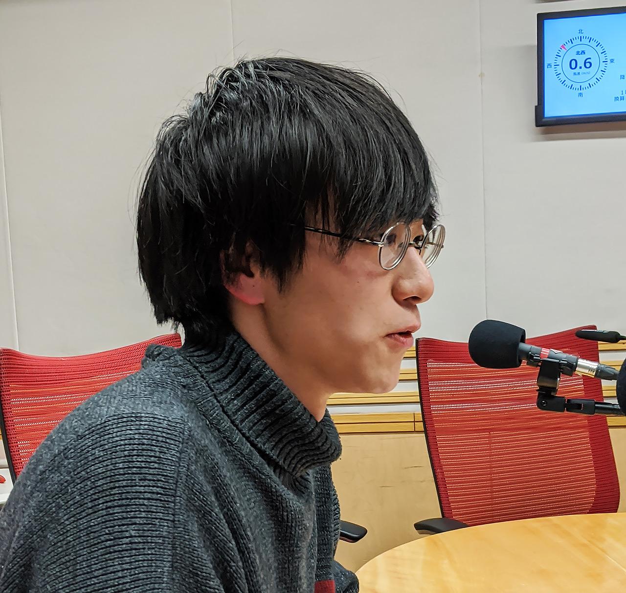 文化放送内のスタジオにて、イノカCEOの高倉葉太さん