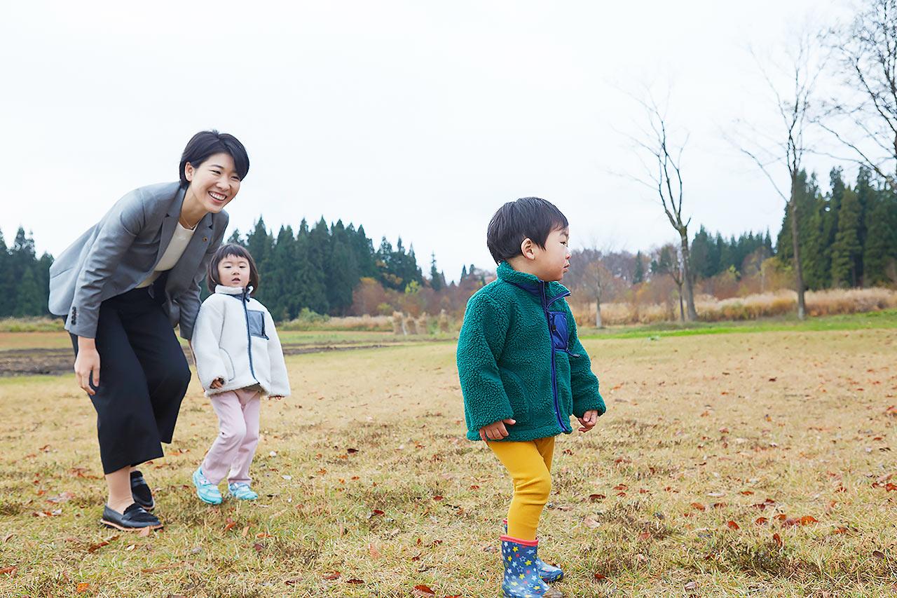 数少ない自分の時間は子どもにあてる(桑原さん提供 撮影:吉澤健太)