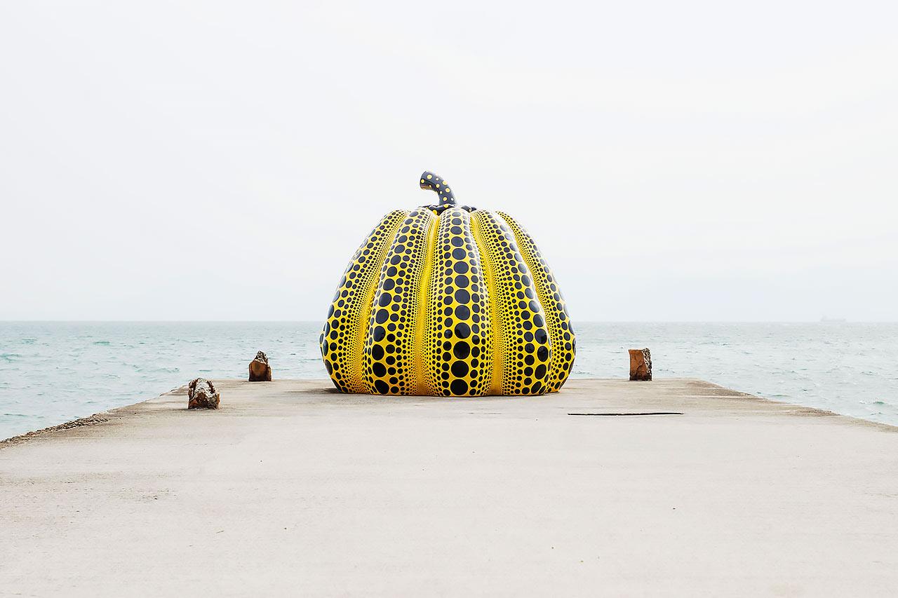 直島にある草間彌生「南瓜」
