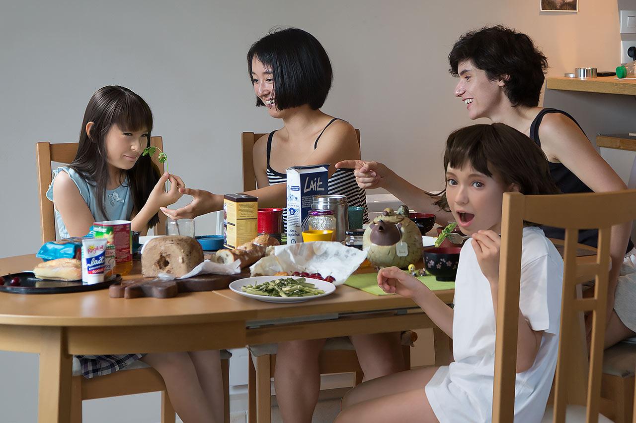 長谷川愛「(不)可能な子供、01:朝子とモリガの場合」
