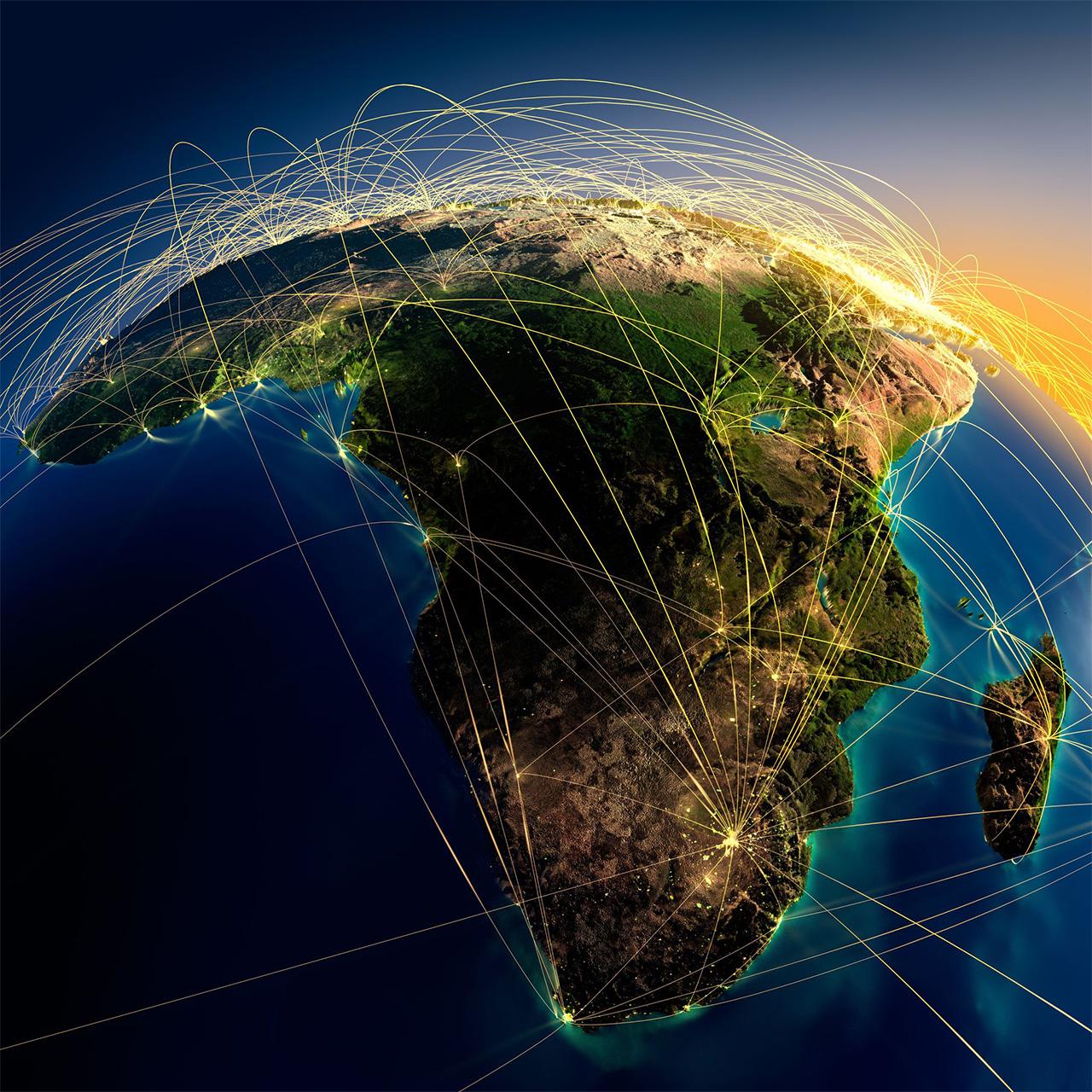 寺久保さんは、「アフリカでは『産業革命』を経ずに『情報革命』が起きた」と話す