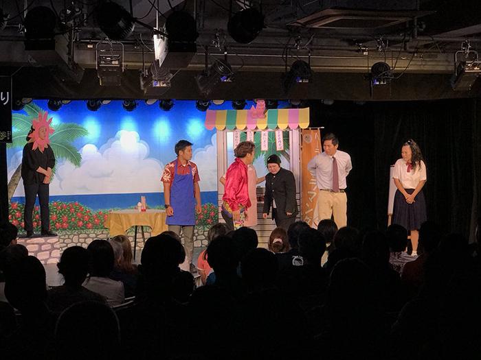 大屋さんが座長を務める劇団アラマンダは沖縄花月でも人気公演の一つ