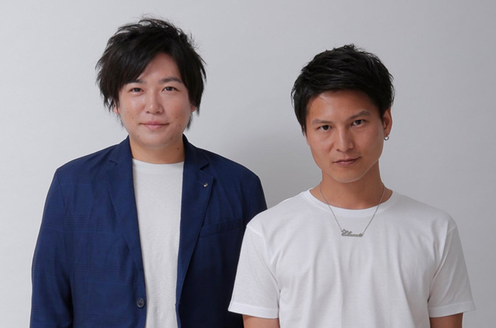 X+(エクスト)として活動する日高慎二さん(写真左)