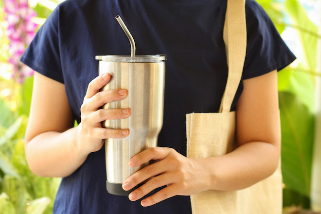環境にも体にも優しい選択肢。「脱プラスチック」商品を買おう!