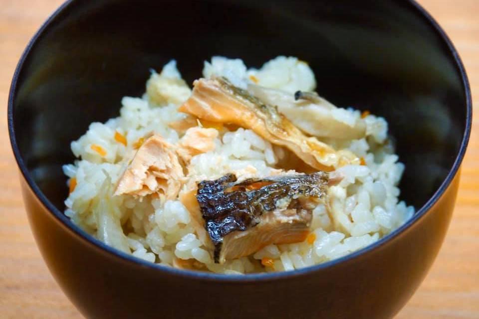 コロナで苦しむ生産者を応援! 自宅で琵琶湖の名店の「琵琶ますの炊き込みご飯」