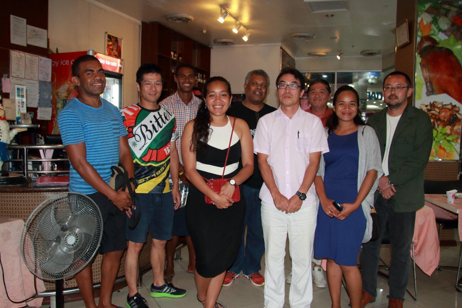 フィジーからの留学生、南太平洋大学のスタッフとともに