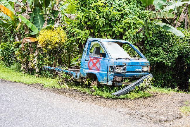 車はリサイクルの場所がないため放置のまま