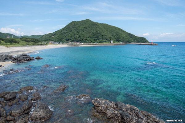 原始の自然あふれる屋久島。豊かな森が育む魚種豊富な海。水中カメラマン堀口和重さんによるレポート