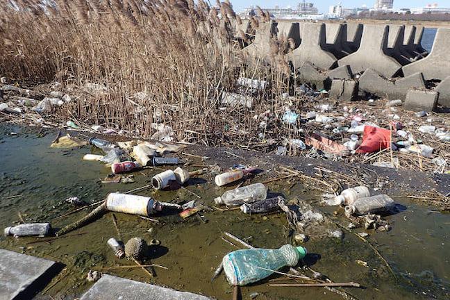 「マイクロプラスチックは三大都市圏の川に多い」全国の河川を調査した研究者