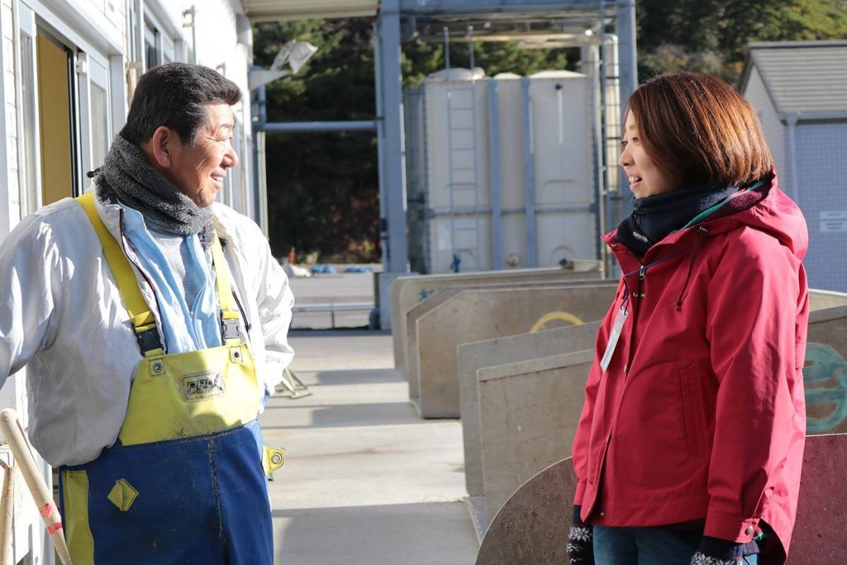漁師と話す島本さん