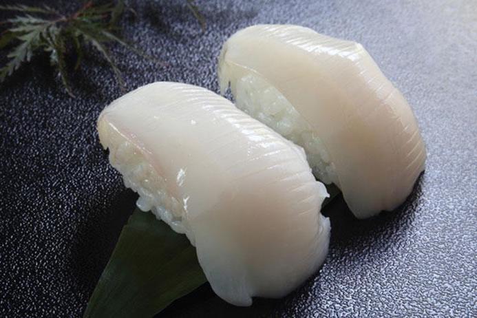 意外に簡単! イカのさばき方映像と、日本でよく食べられている種類について