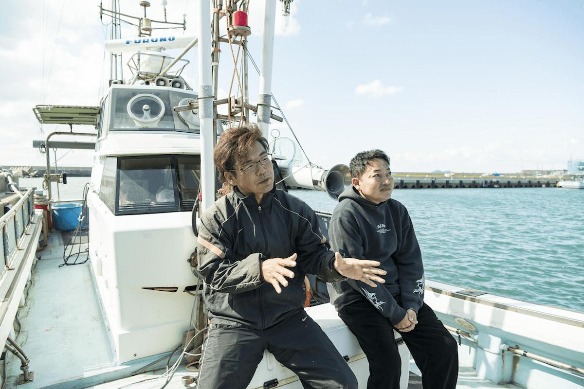 藍の鰆のこだわりを話す両羽さんと慎太郎さん
