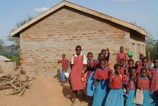 教室が足りない小学校への協力