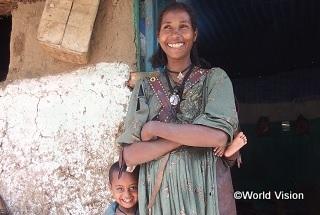 エチオピアのハラギットさん。産前産後検診や保健施設での出産の大切さを伝える啓発活動を担っています