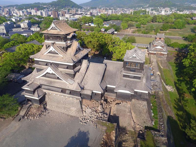 [熊本城が地震で損壊。修復再建に支援を Fundraising for quake-dameged Kumamoto Castle reconstruction]の画像