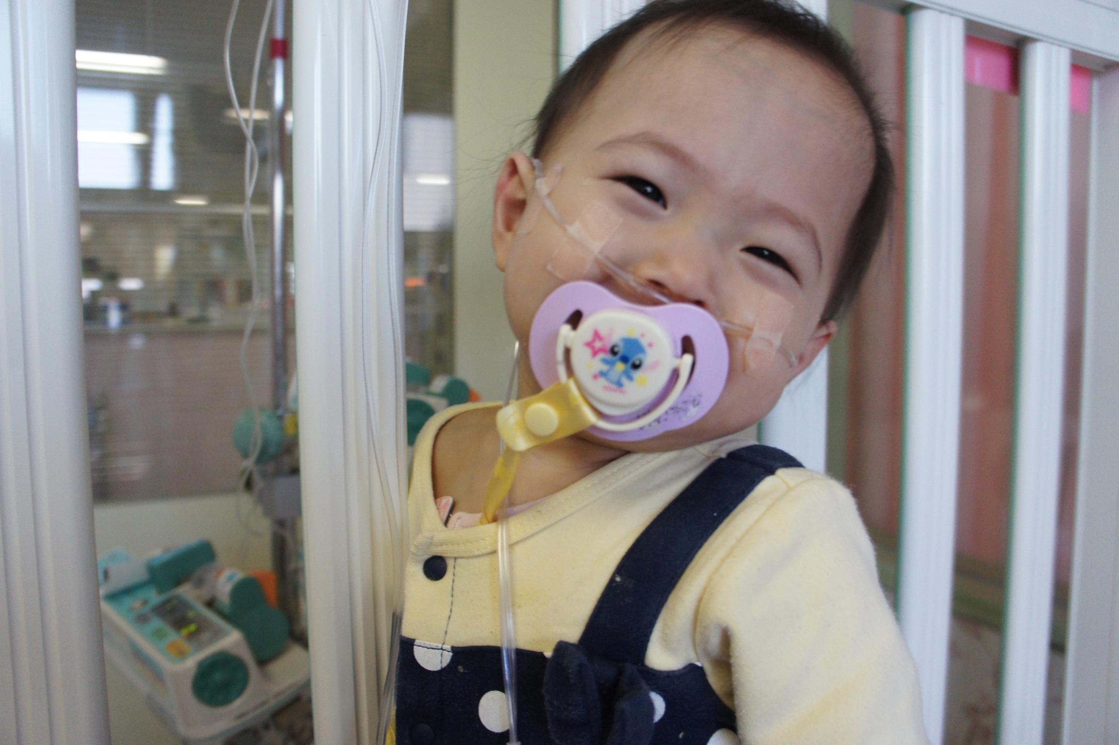 [100万人に1人の難病と闘うすずかちゃん(1歳7カ月)に肺移植を!]の画像