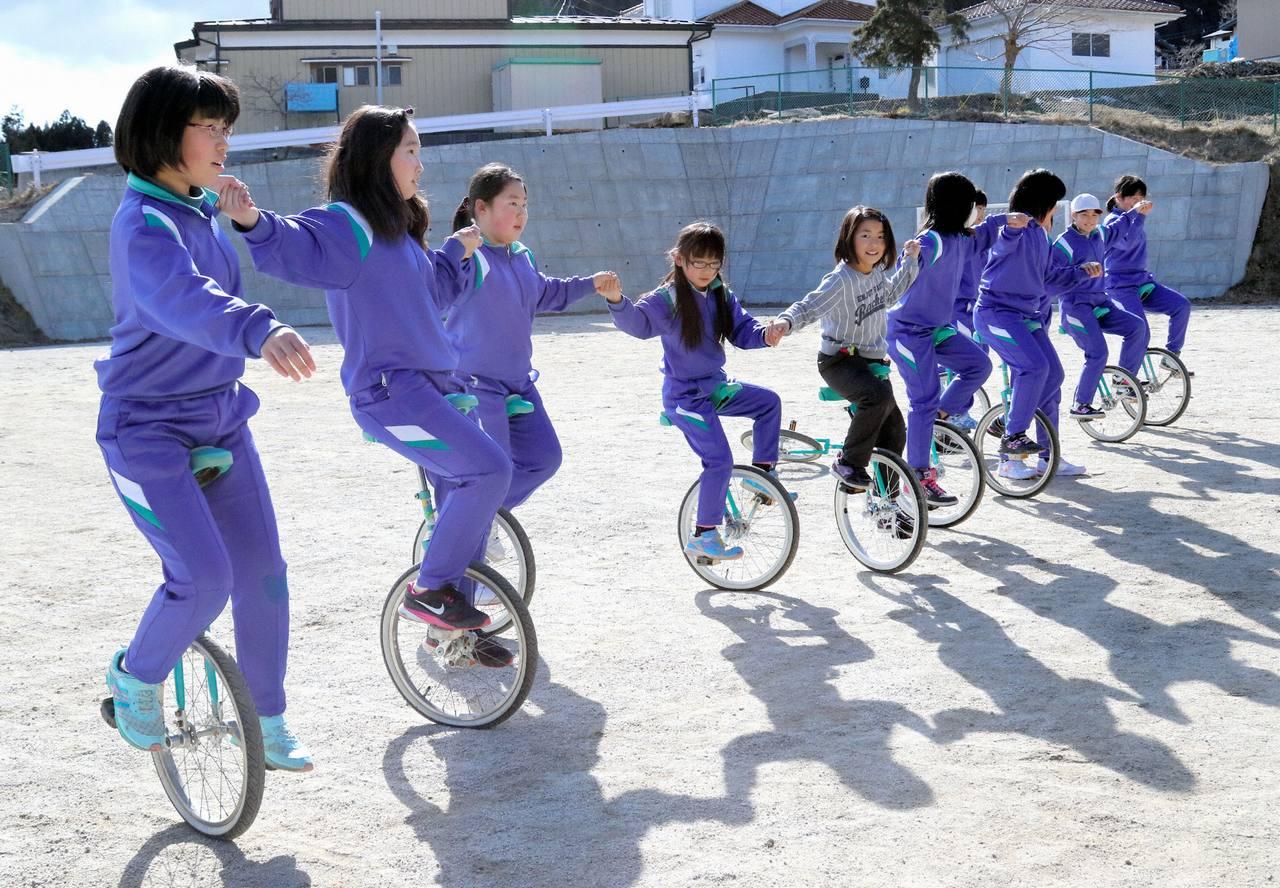 東日本大震災の被災校はまだまだ復興途中です。 必要な設備を支援して子どもたちに笑顔を!