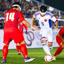 2016年9月4日 日本対韓国 得意のドリブルで韓国選手を置き去りにする黒田選手。