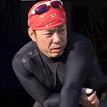 洞ノ上 浩太(ほきのうえ こうた) 2008年、北京パラリンピックの5000mで5位入賞。フルマラソンでは、北京、ロンドンと2大会連続での入賞。