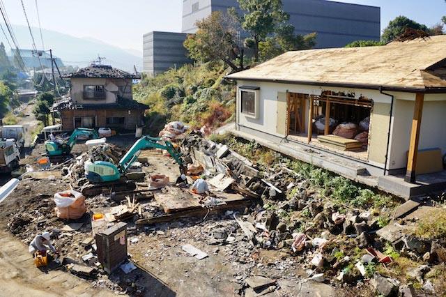 住宅地で家屋の解体が進みます。