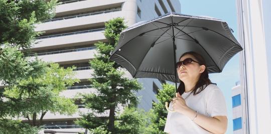 日傘や帽子など日陰を活用