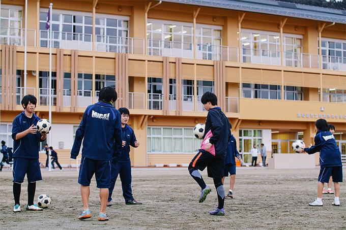 東松島市立鳴瀬未来中学校のサッカー部