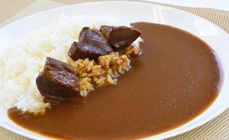 牛たんカレー&角煮・柔らか煮セットの写真