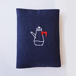 かわいい刺繍のポケットティッシュケースの写真