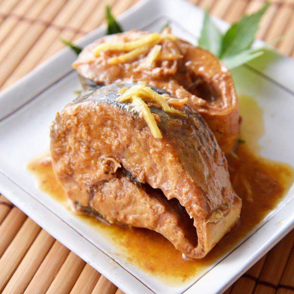 サバ味噌煮缶の写真