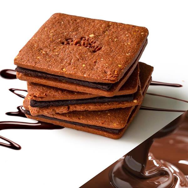 無添加ショコラクッキーサンドの写真