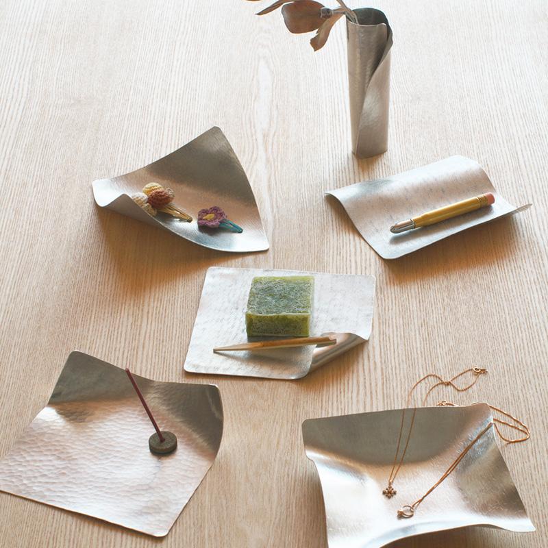 錫の器「すずがみ」の写真