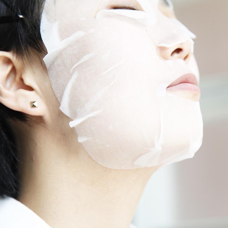 土佐和紙化粧マスクの写真