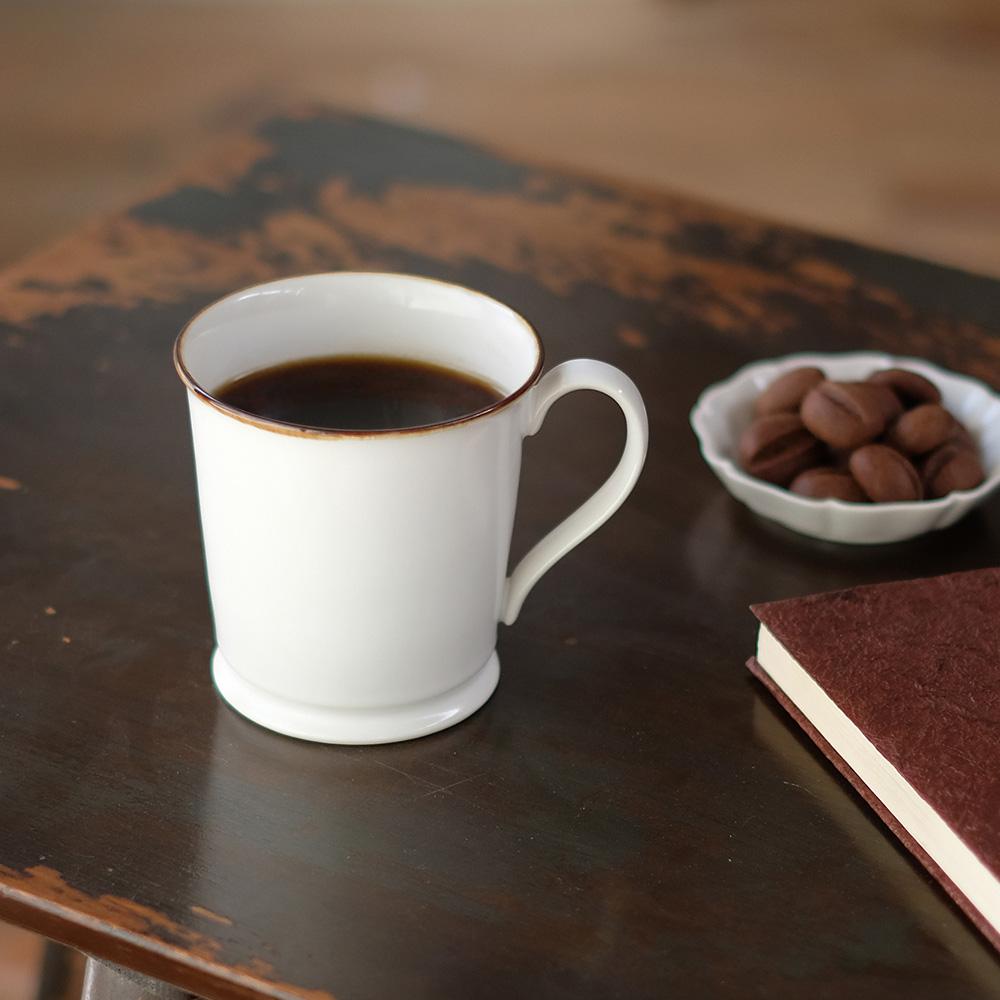 有田焼のマグカップの写真