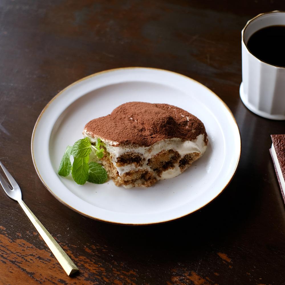 有田焼浅リム皿の写真