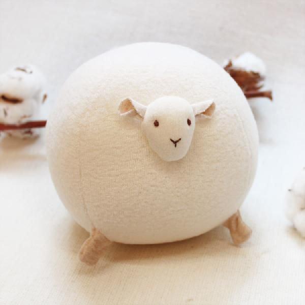 羊のガラガラボールの写真