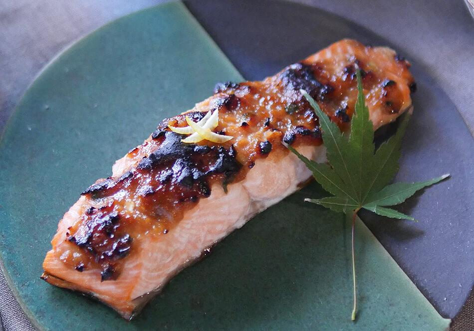 ふっくらおいしい「鮭のゆず味噌焼き」