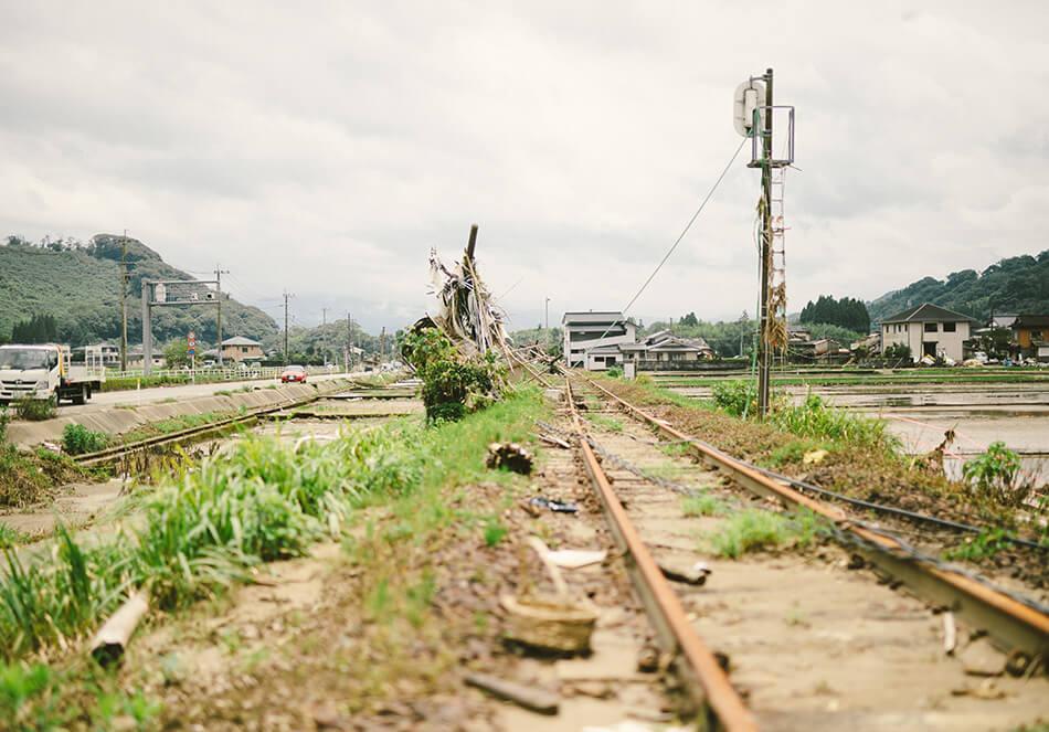2020年7月豪雨から三週間後の被災地。筆者が人吉・球磨にボランティアに行った際に撮影したもの